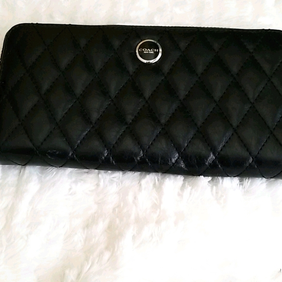 COACH BLACK QUILTED LEATHER WALLET